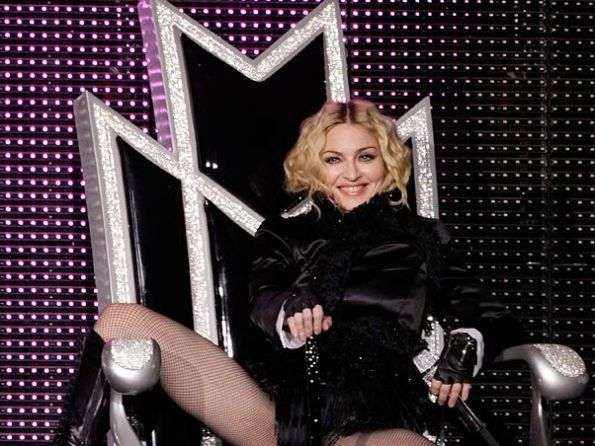 Madonna_Sticky_and_Sweet_Tour_Dec_18_Sao